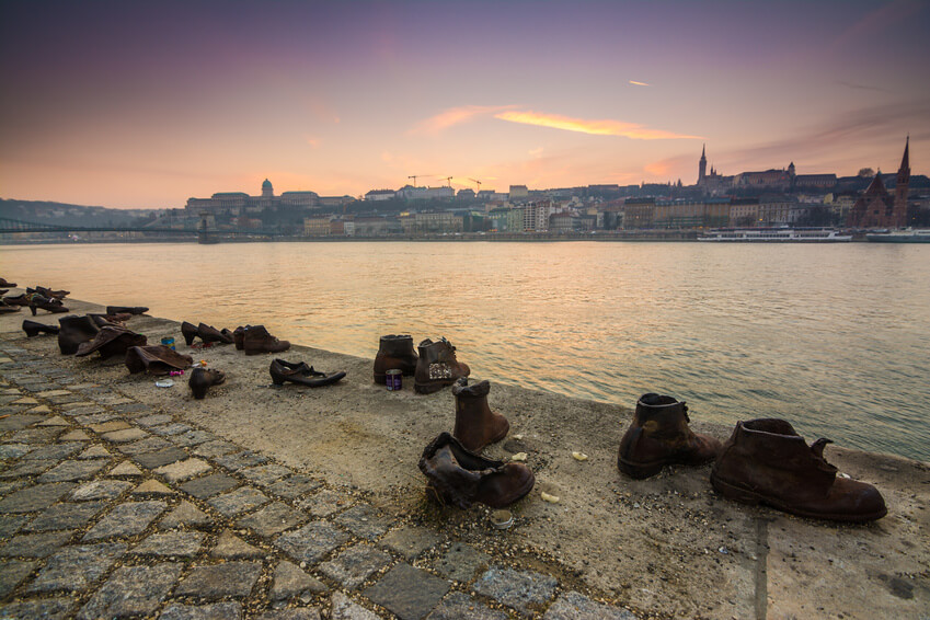 shoes banks of the Danube
